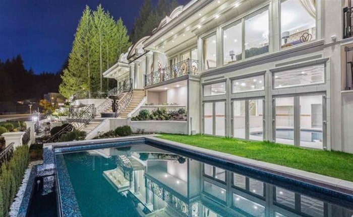 فروش خانه های لوکس مترو ونکوور به نصف بهای اصلی