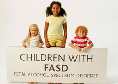 حمایت دولت کانادا از پروژه های درمان و پیشگیری از اختلالات طیف الکل در جنینی (Fetal Alcohol Spectrum Disorder)