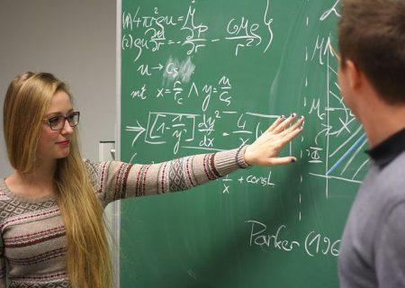 معلمان انتاریو باید در آزمون های ریاضی حداقل ۷۰ درصد از نمره را کسب کنند