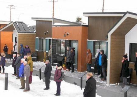 ساخت دهکده ای از خانه های کوچک برای سربازان جانباز بی خانمان