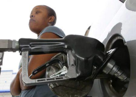 سقوط قیمت بنزین در سراسر کانادا
