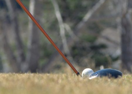 گلف و تنیس در بین ورزش های مجاز در کبک