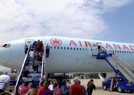 کانادا از خطوط هوایی خارجی کمک می طلبد