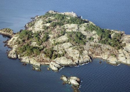 مالك اين جزیره بشويد!