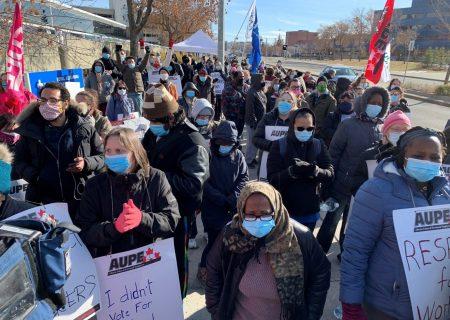 کارکنان بیمارستانهای آلبرتا اعتصاب کردند