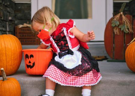 يك هالوين كاملا كرونايی