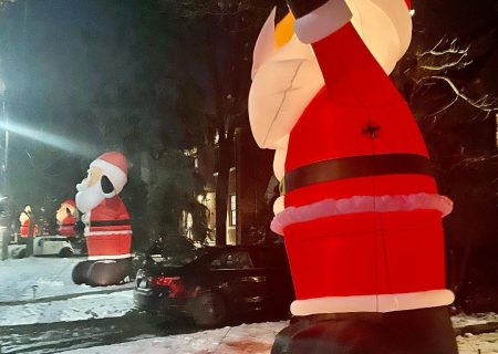 بابانوئلهای غولپیکر به تورنتو برگشتند