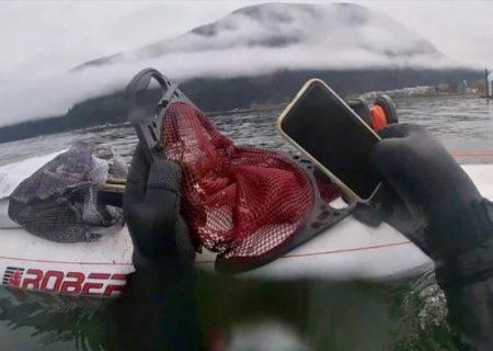آیفون گمشده پس از ۶ ماه از کف دریاچه پیدا شد