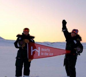 دو زن تنها در قطب شمال