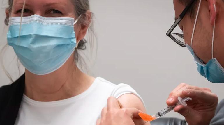 آغاز ثبت نام واکسن در بریتیش کلمبیا