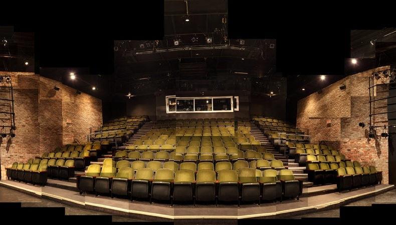 بازیگران تئاتری مونترال مجبور به تغییر شغل هستند