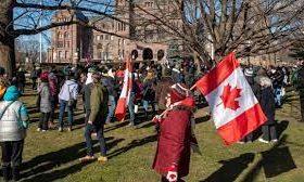 تظاهرات مخالفان قرنطینه در تورنتو