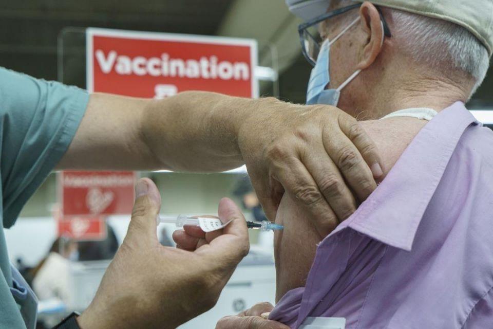 شهردار تورنتو: اولویت تزریق واکسن را تغییر میدهیم