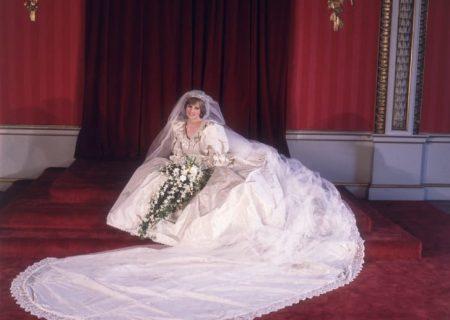 نمایش لباس عروسی شاهدخت دایانا بعد از ۲۵ سال