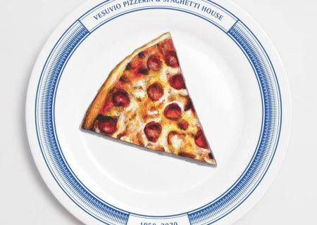 حراجی نقاشیهای غذای محبوب روی بشقاب رستوران