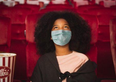زدن ماسک در سینماهای آمریکا اختیاری شد