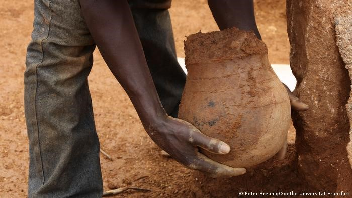 قدیمیترین کوزه عسل در آفریقا کشف شد