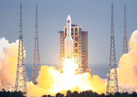 راکت چینی سرانجام به زمین رسید