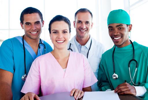 پزشکان مهاجر برای ورود به مشاغل پزشکی با موانعی روبرو هستند