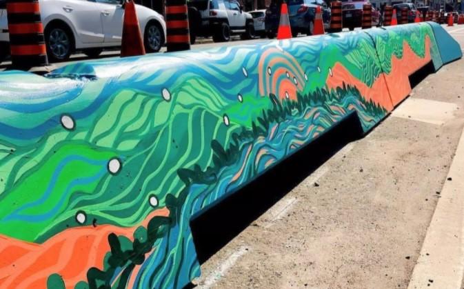 اتفاقی رنگارنگ در خیابانهای تورنتو