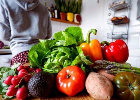 افراد گیاهخوار کرونای ضعیفتری میگیرند
