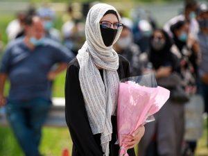 برگزاری مراسم خاکسپاری خانواده مسلمان