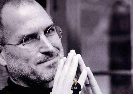 امضای استیو جابز قیمت دفترچه راهنمای اپل دو را بالا برد