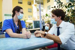 دیدار ترودو با کادر درمان بیمارستان عمومی تورنتو