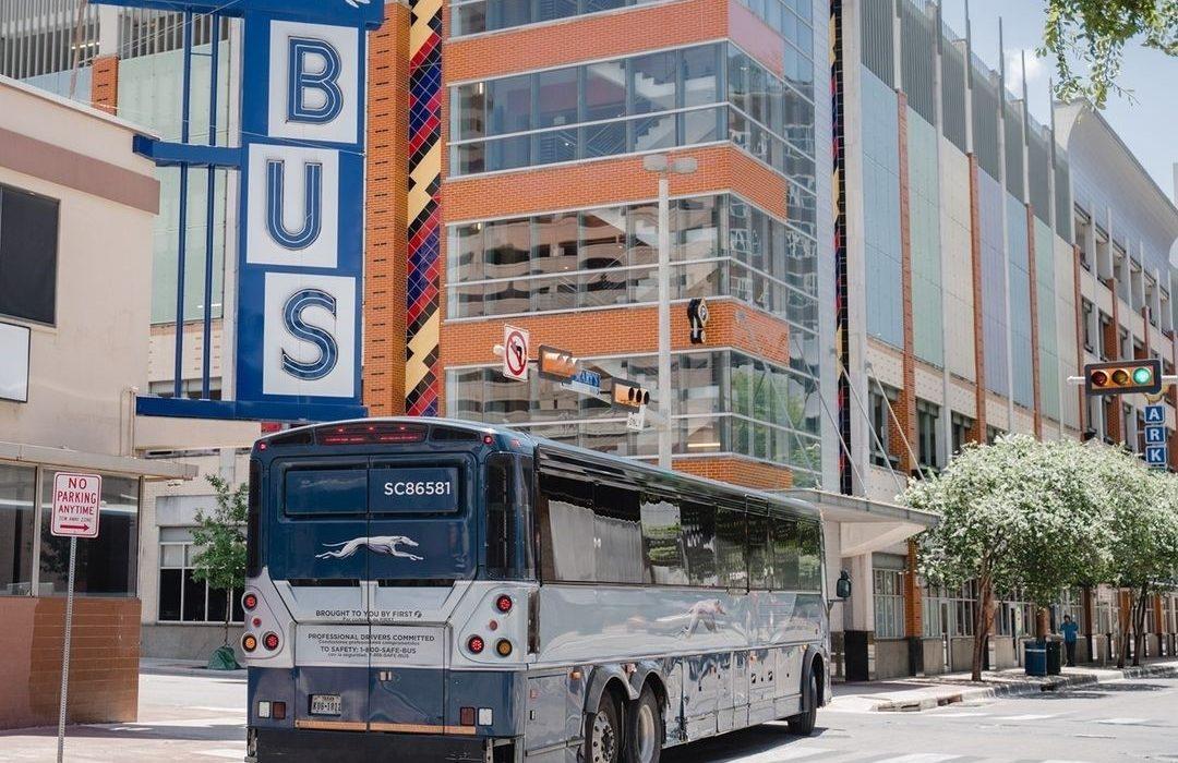 راهاندازی مجدد اتوبوسهای کانادا-آمریکا
