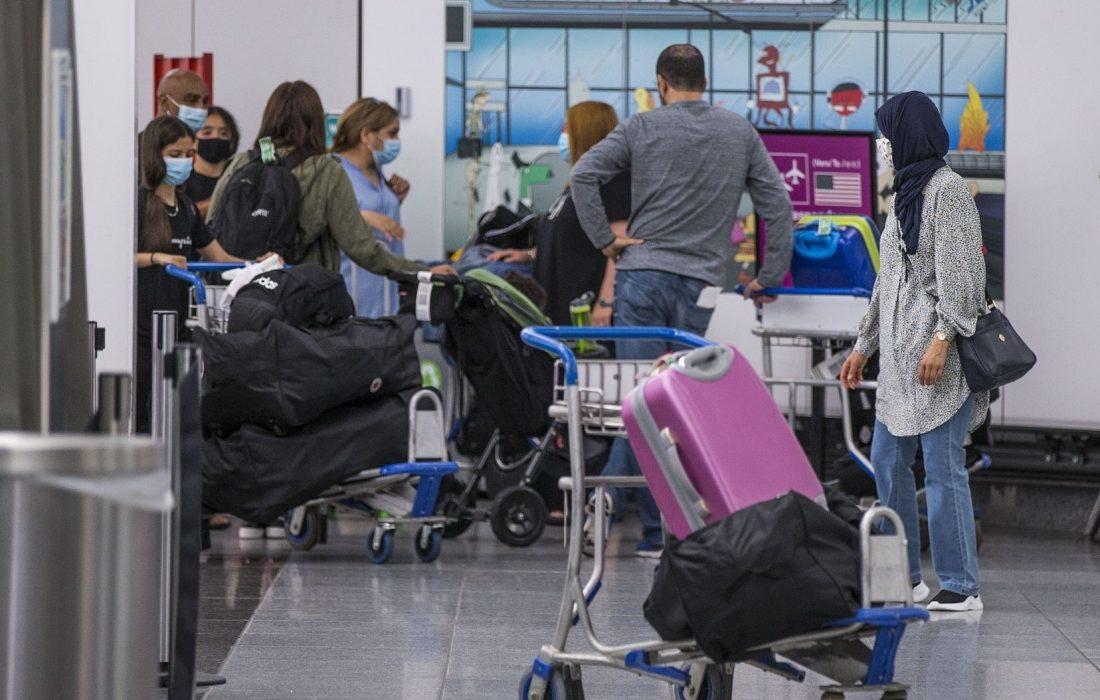 سفر کاناداییها به آمریکا به شرط آسترازنکا