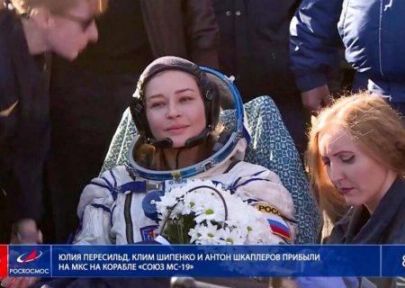 بازیگران فضایی به زمین بازگشتند